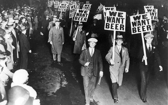 We want beer parade in Manhattan during prohibition, 1932